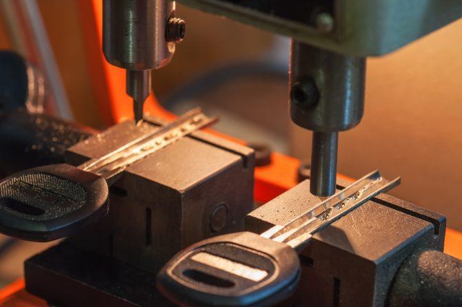 Elaboración y copias de llaves codificadas para vehículos en todas las marcas.